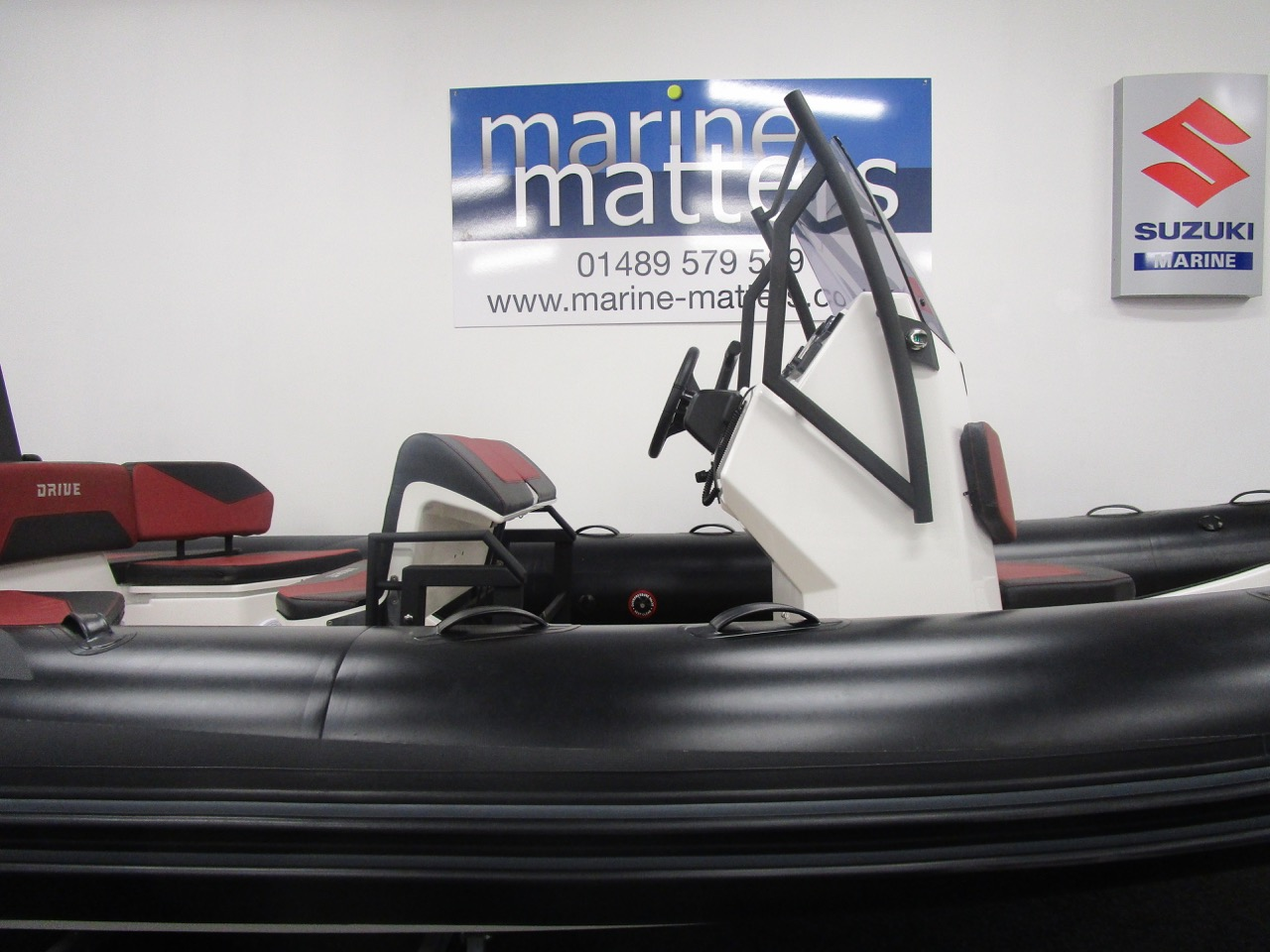 GRAND DRIVE D600 RIB standing helm and console