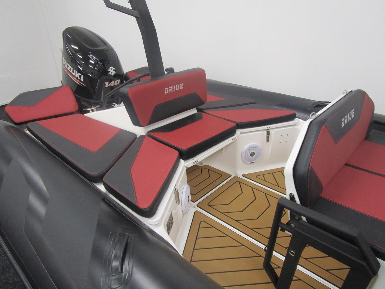 GRAND DRIVE D600 RIB rear sundecks