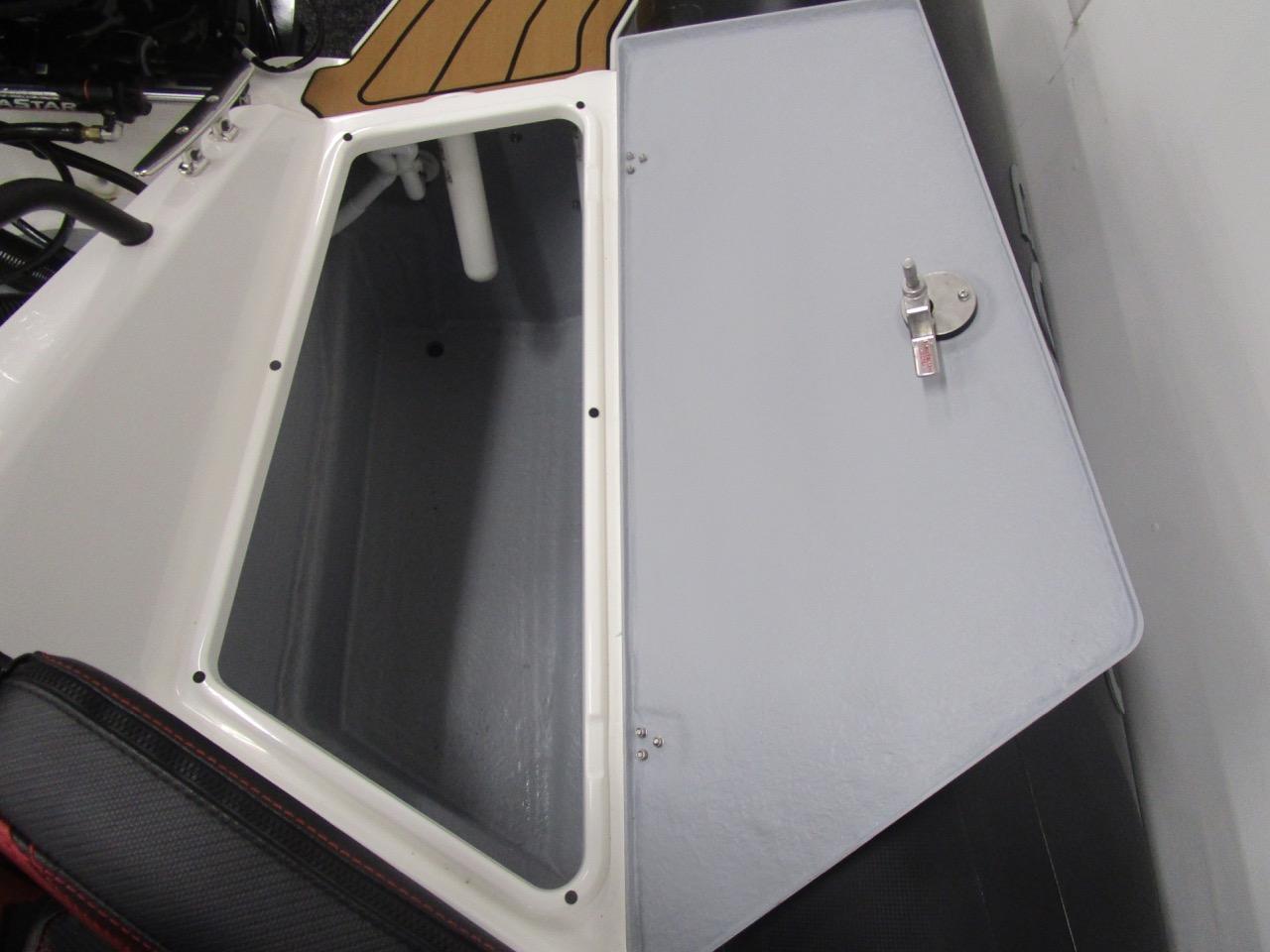 GRAND DRIVE D600 RIB huge rear locker open