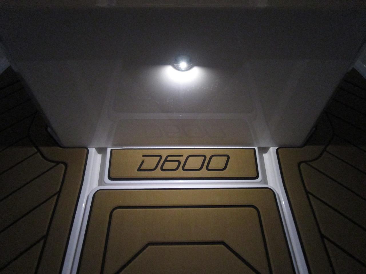 GRAND DRIVE D600 RIB LED deck lights console