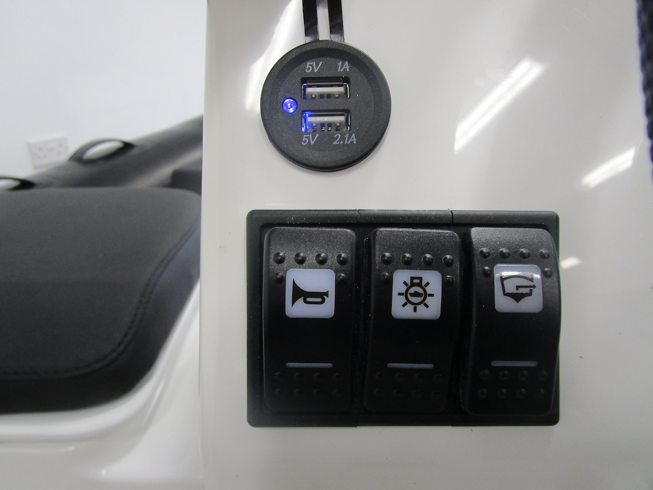 G340N switches and USB chargers