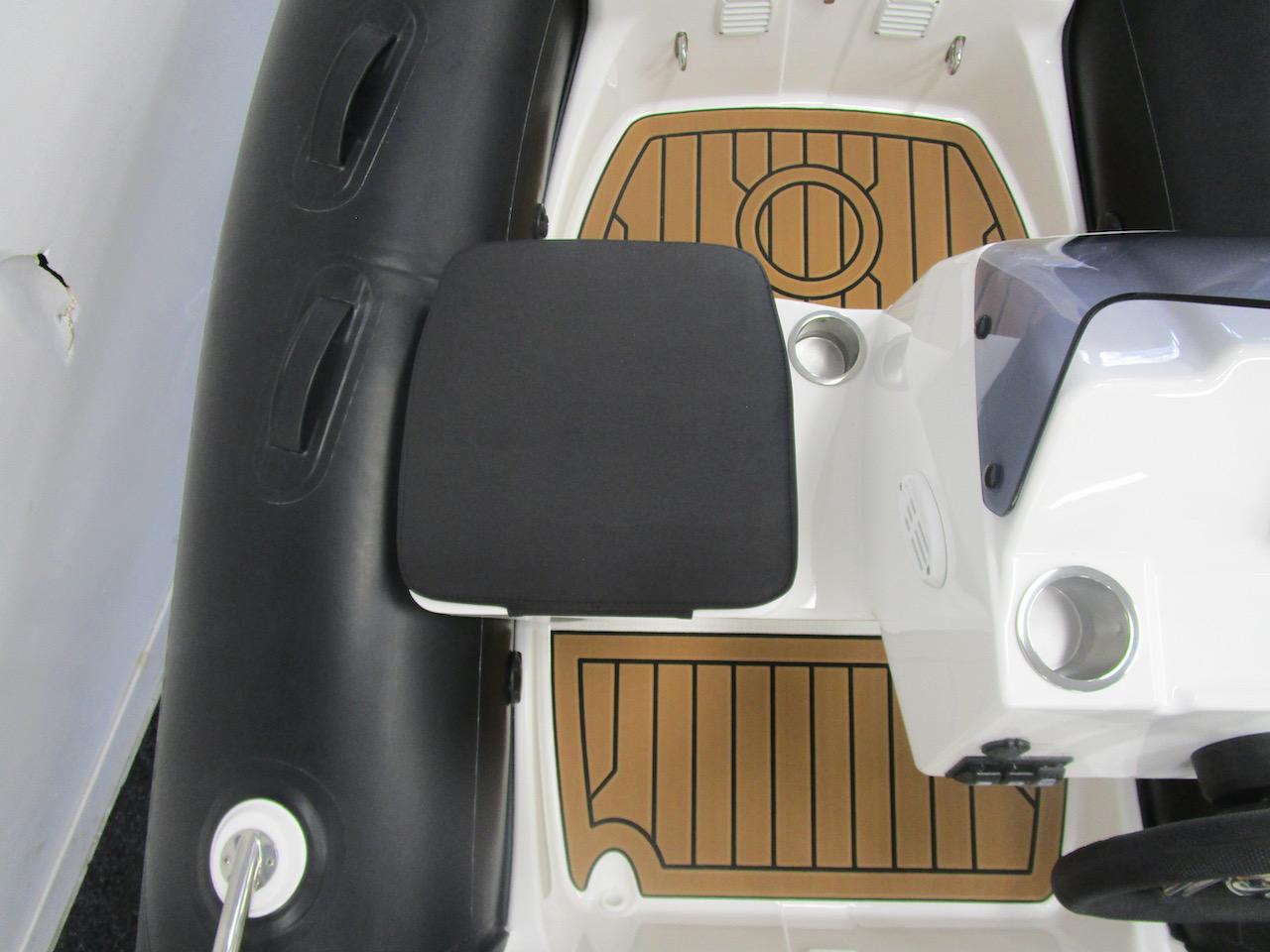 G340N interior floor space