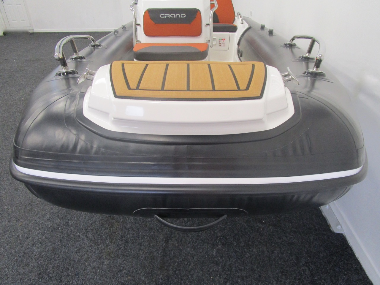 GRAND Golden Line G420 RIB Bow view