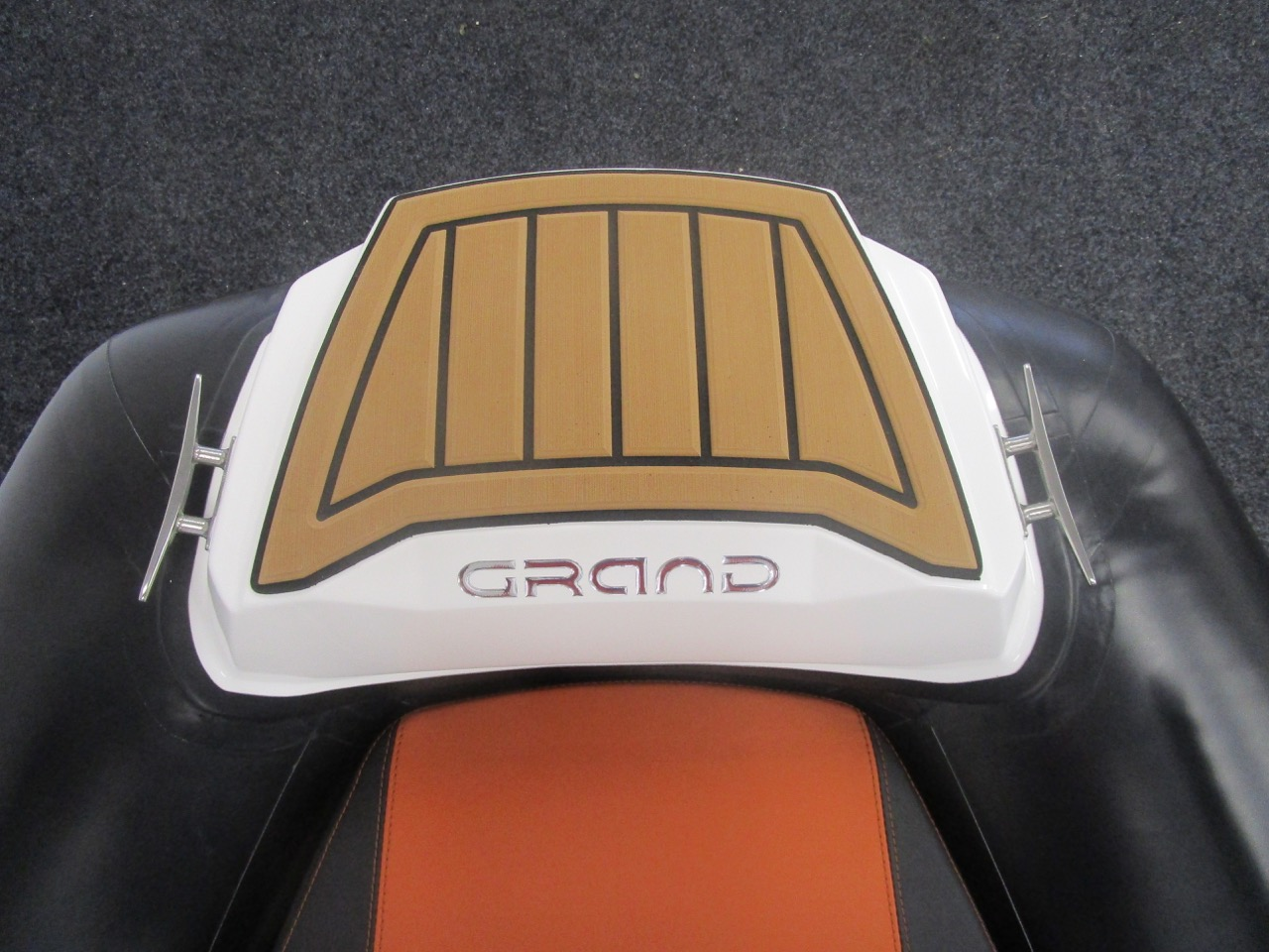 GRAND Golden Line G420 RIB bow step plate