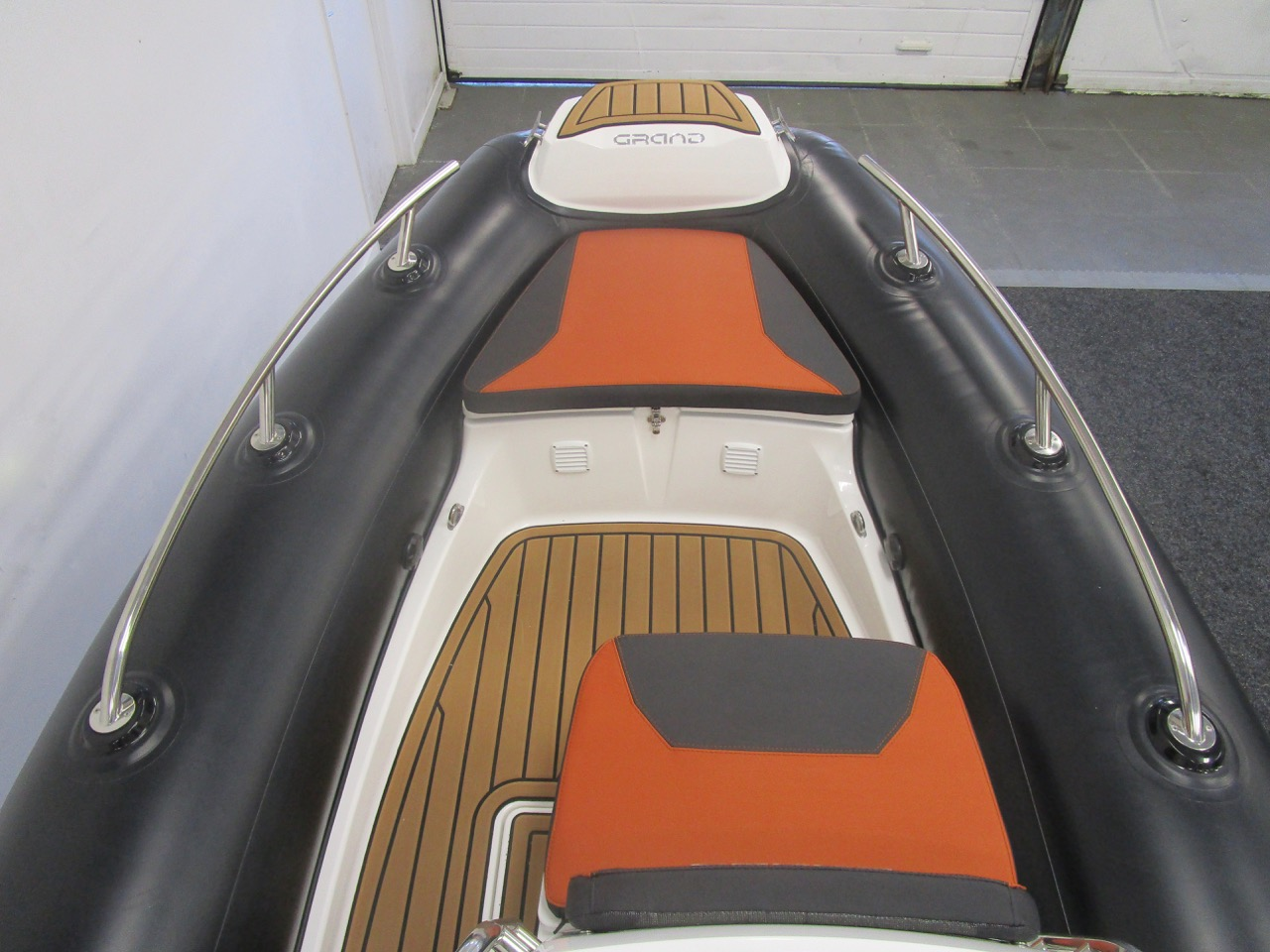 GRAND Golden Line G420 RIB bow
