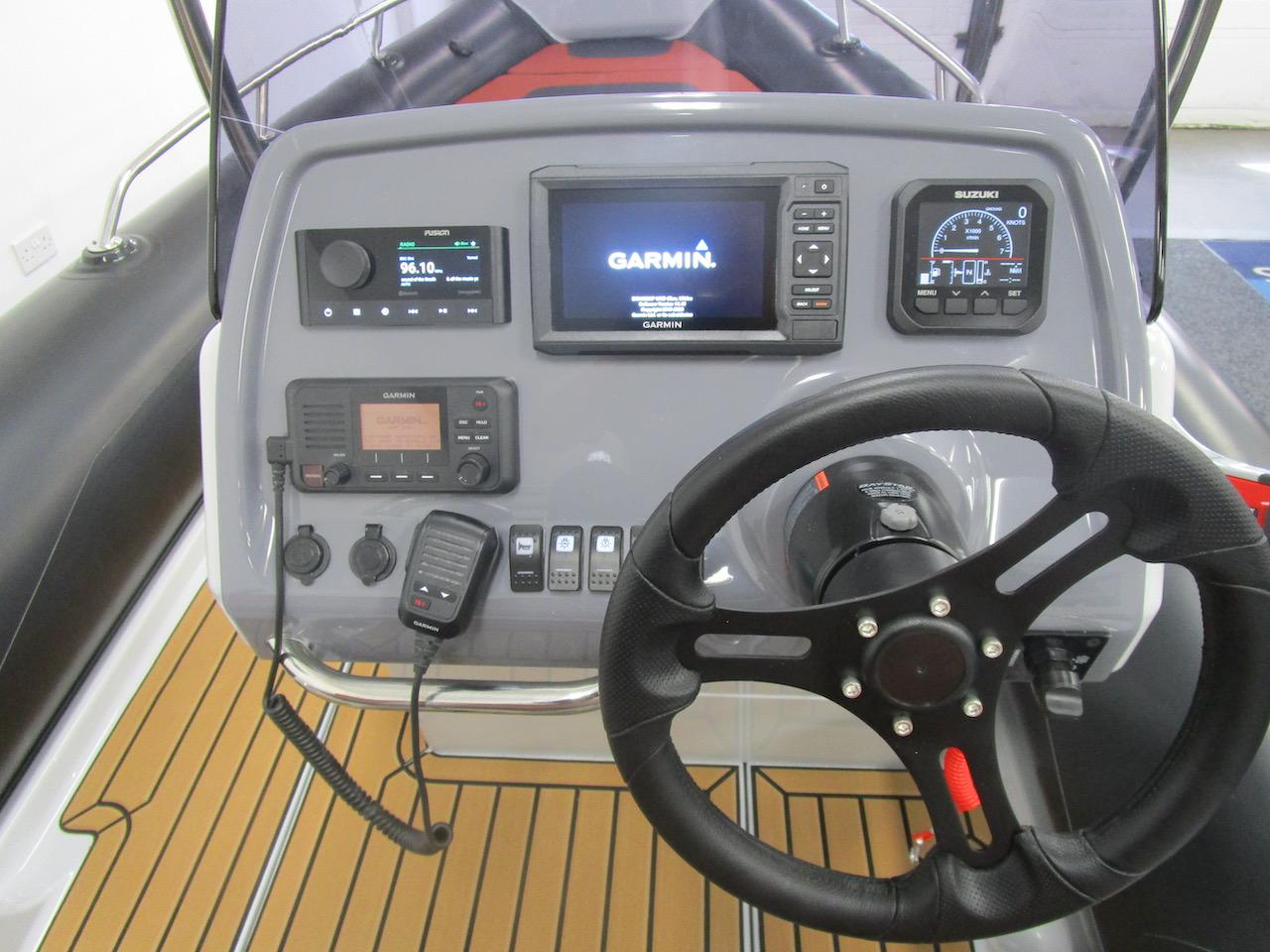 GRAND G500 RIB console and electronics