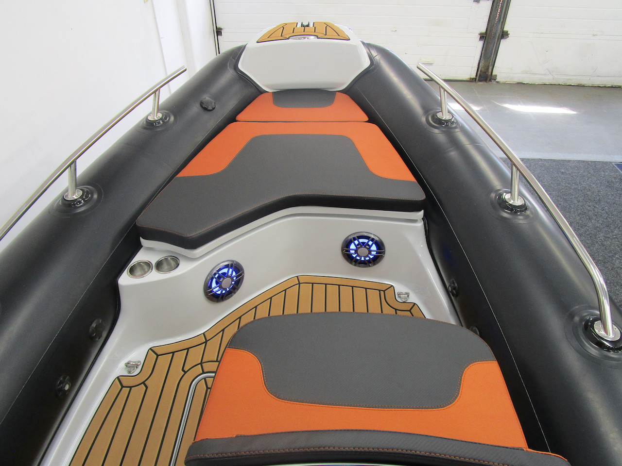 GRAND G500 RIB console front seat and bow seats