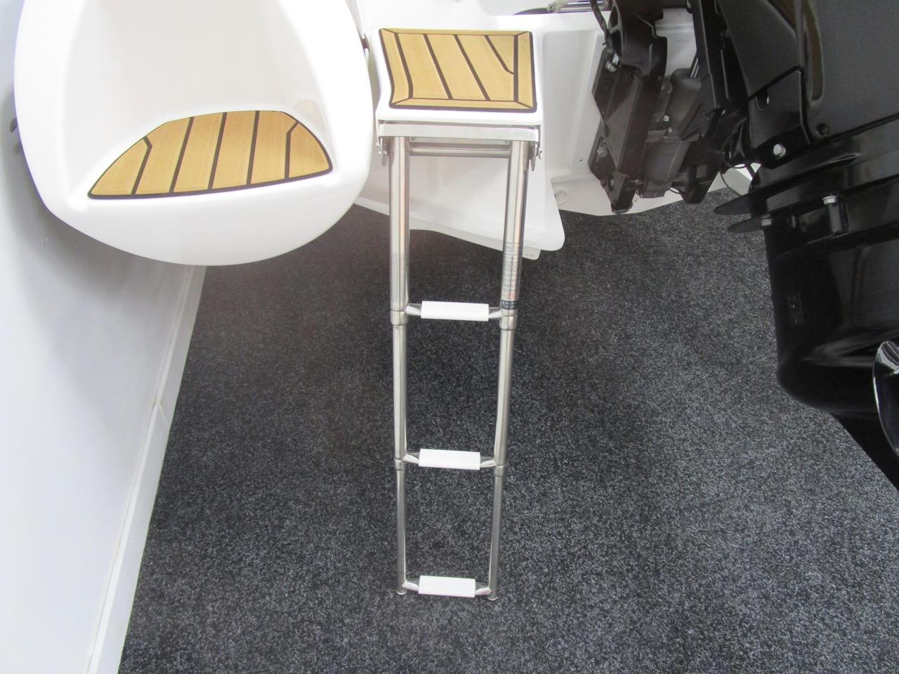 GRAND G500 RIB port side bathing ladder down