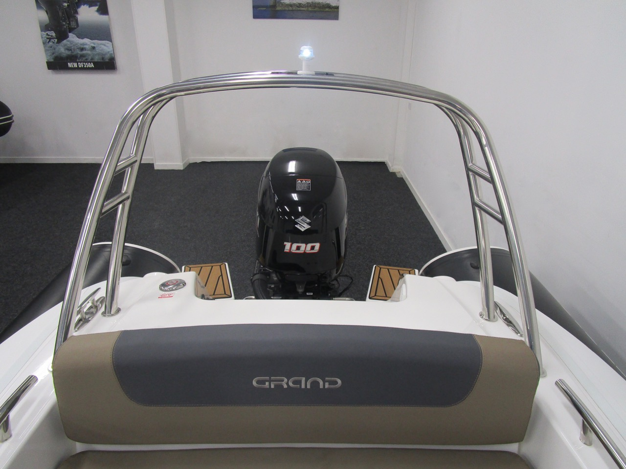 GRAND G500 RIB rear seat, A-frame and engine