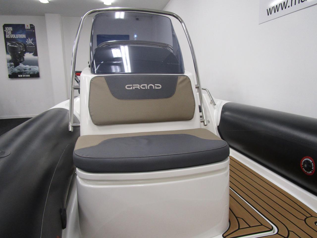 GRAND G500 RIB console front seat