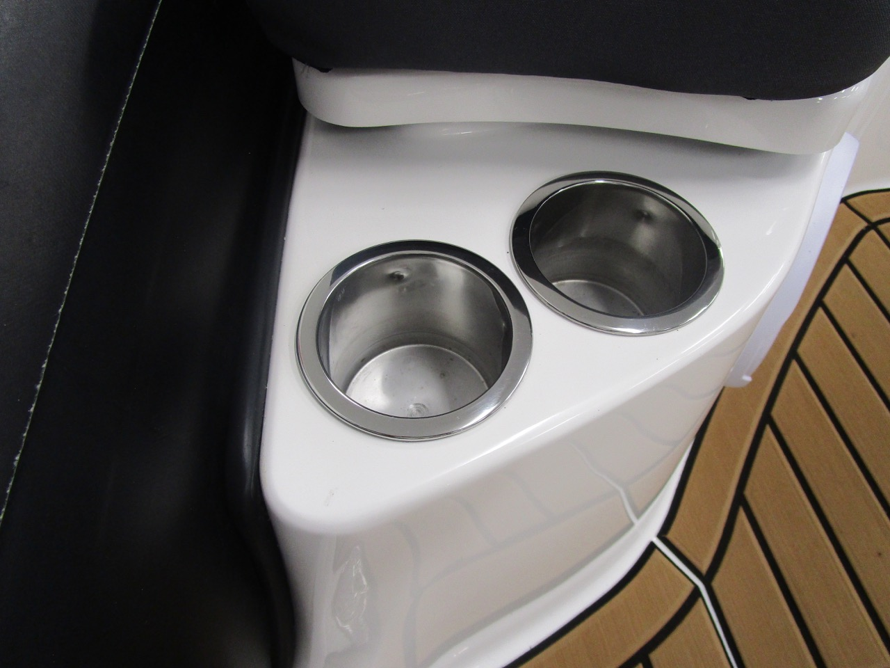 GRAND G500 RIB stainless steel cup holder