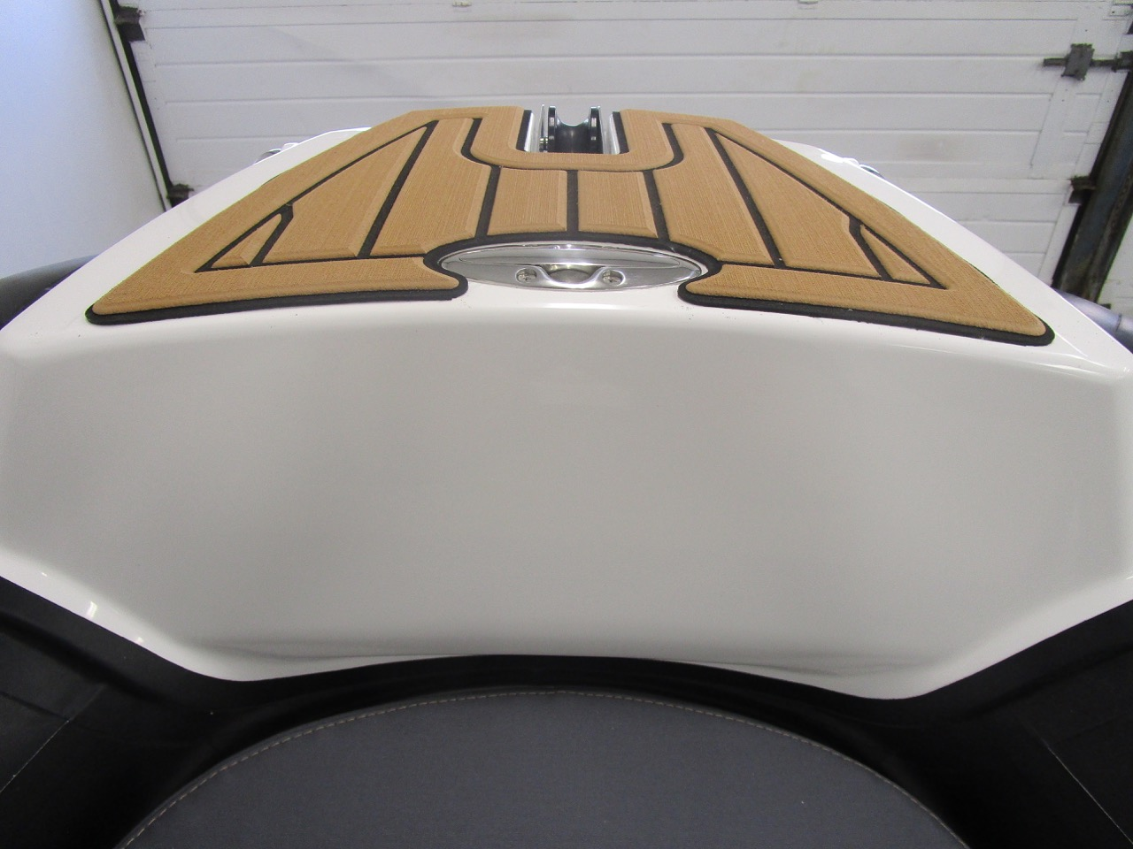 GRAND Golden Line G580 RIB cleat down