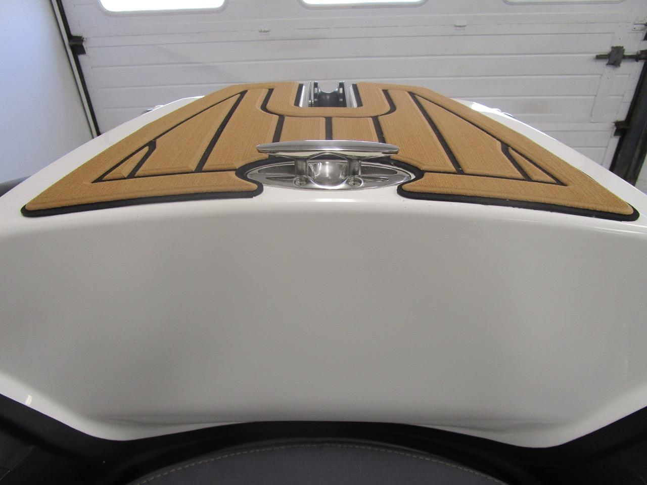 GRAND Golden Line G580 RIB cleat up