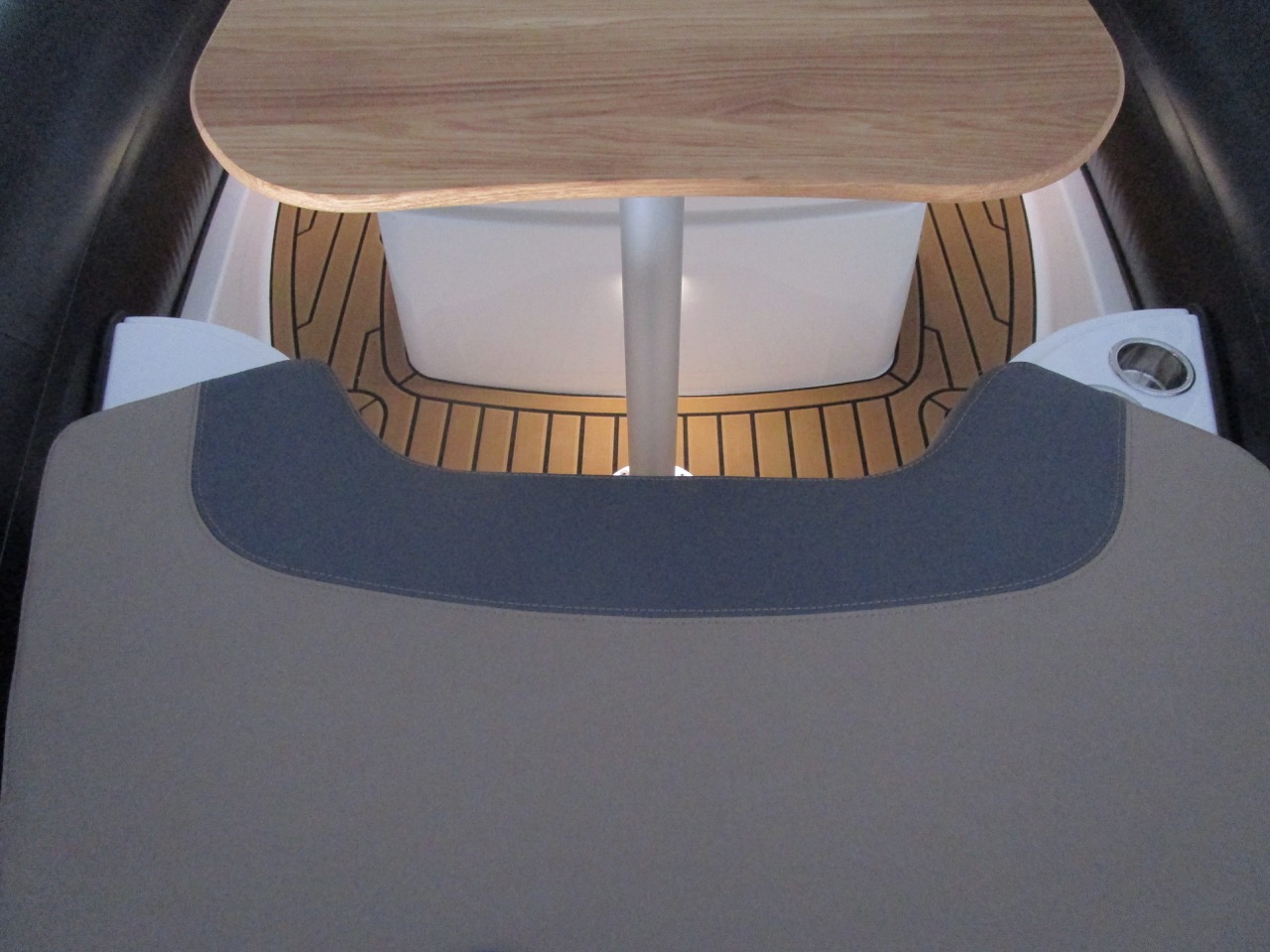 GRAND Golden Line G580 RIB LED deck lights bow