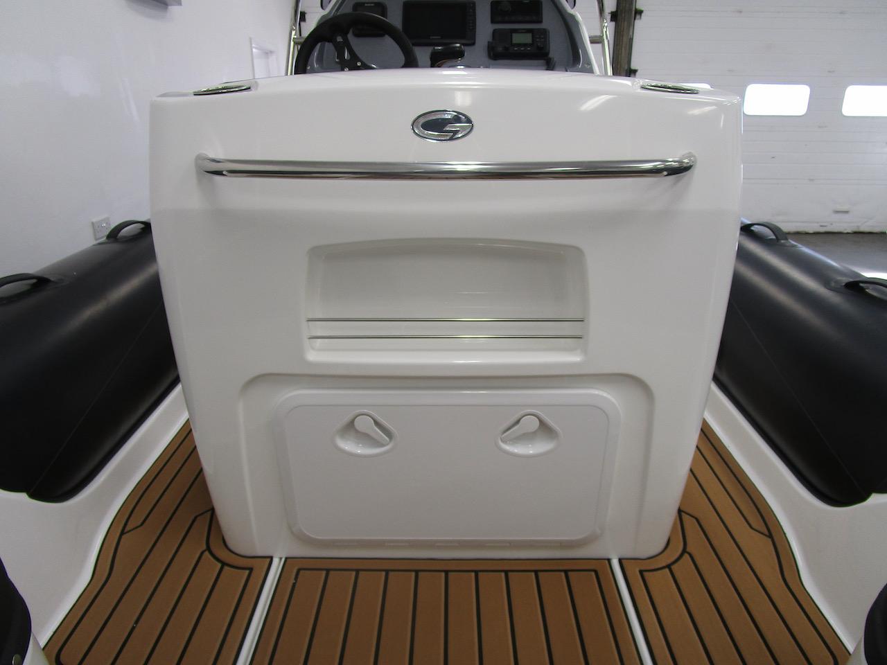 Grand RIB Golden Line G650 rear of helm seat, locker shut