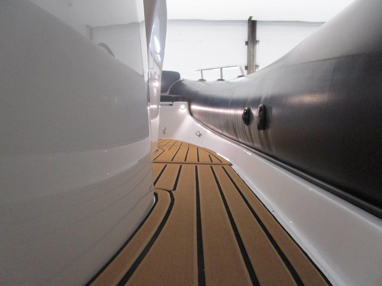 G650 wide side decks and SeaDek floor