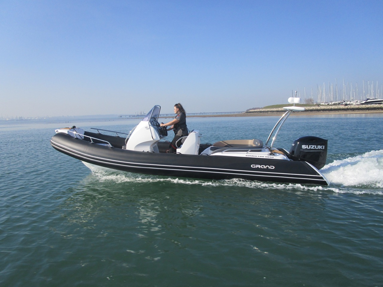 Grand RIB Golden Line G650 going to The Solent