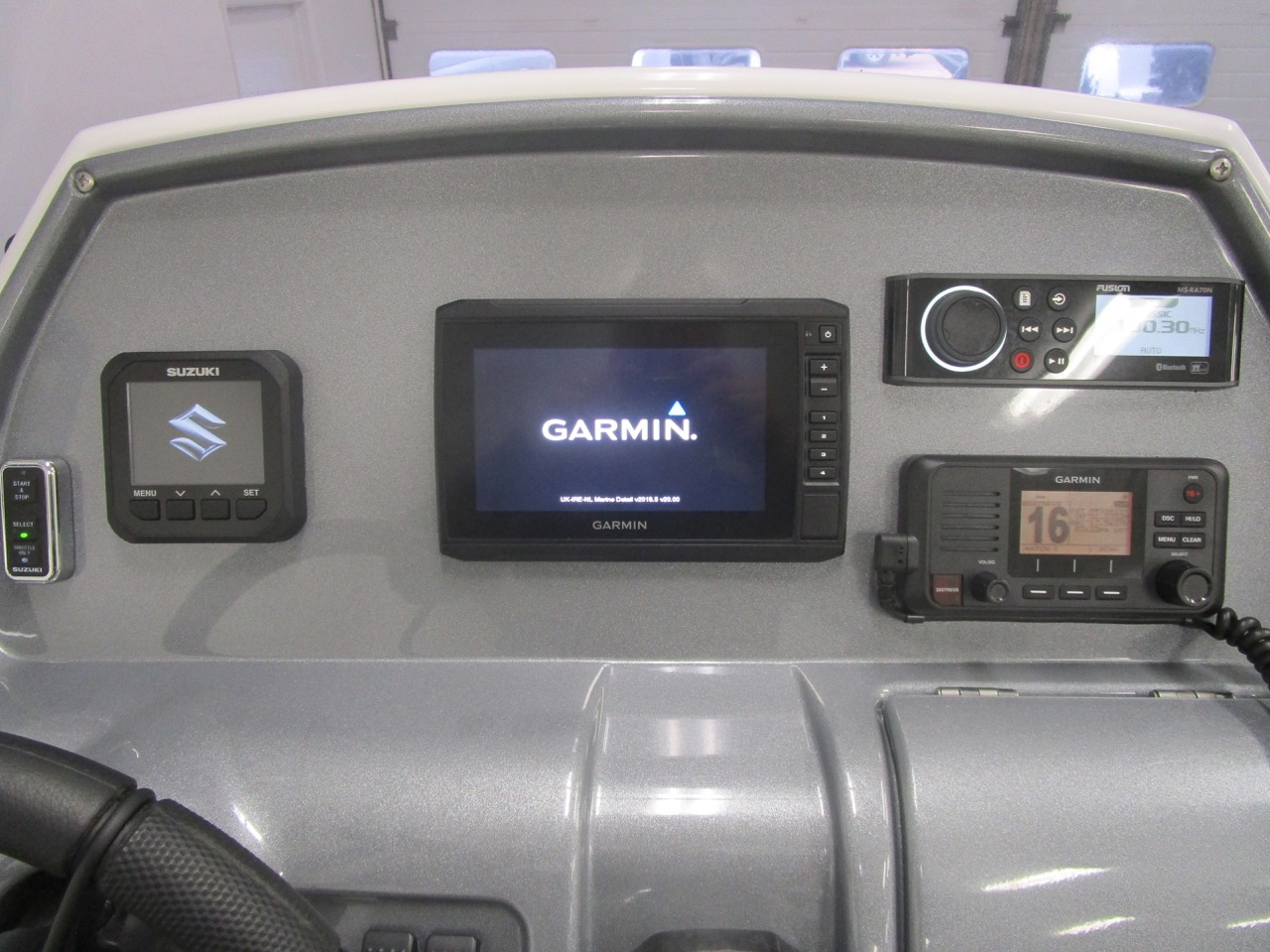 Grand RIB Golden Line G650 Electronics package