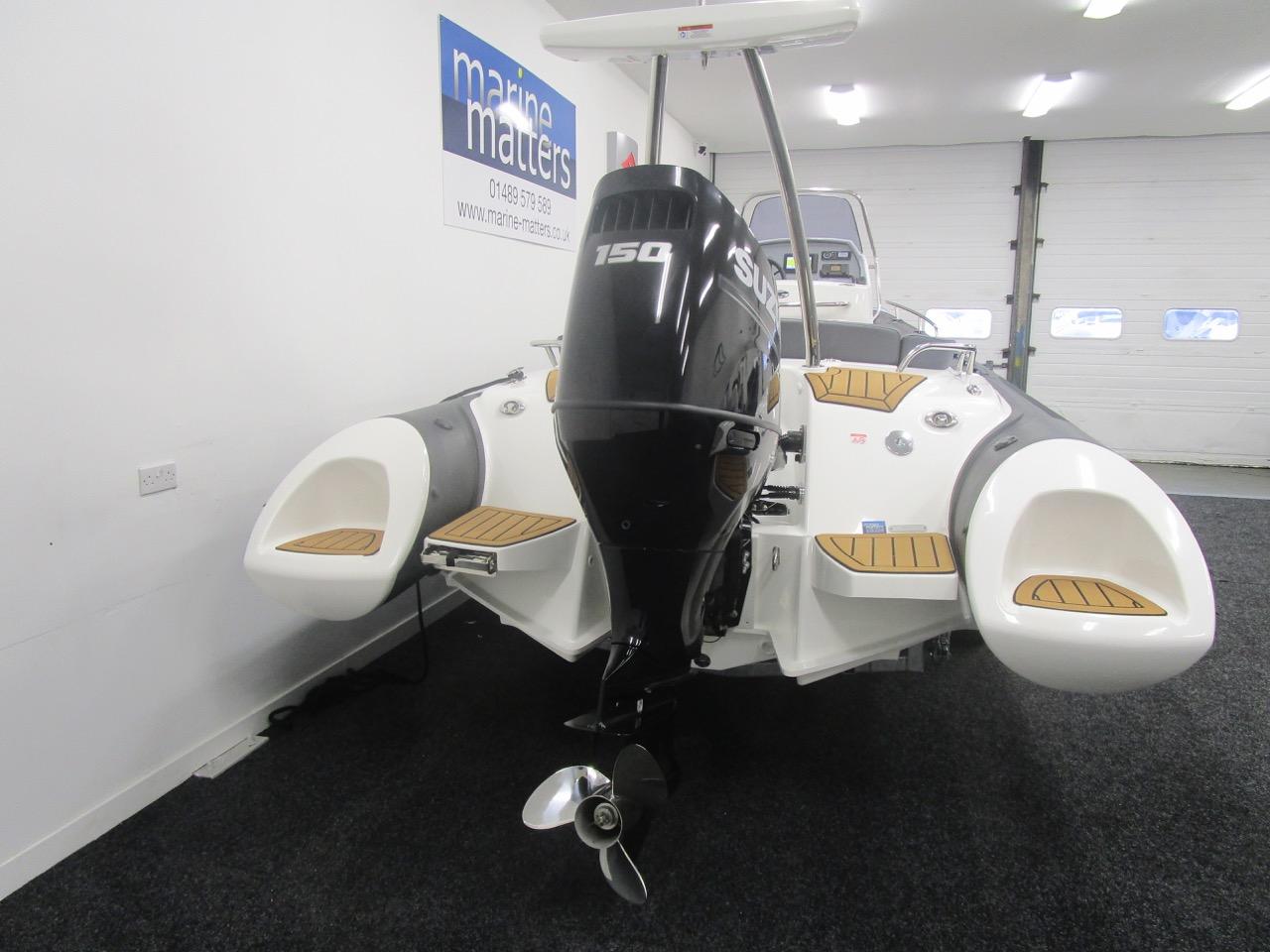Suzuki DF150APL outboard engine