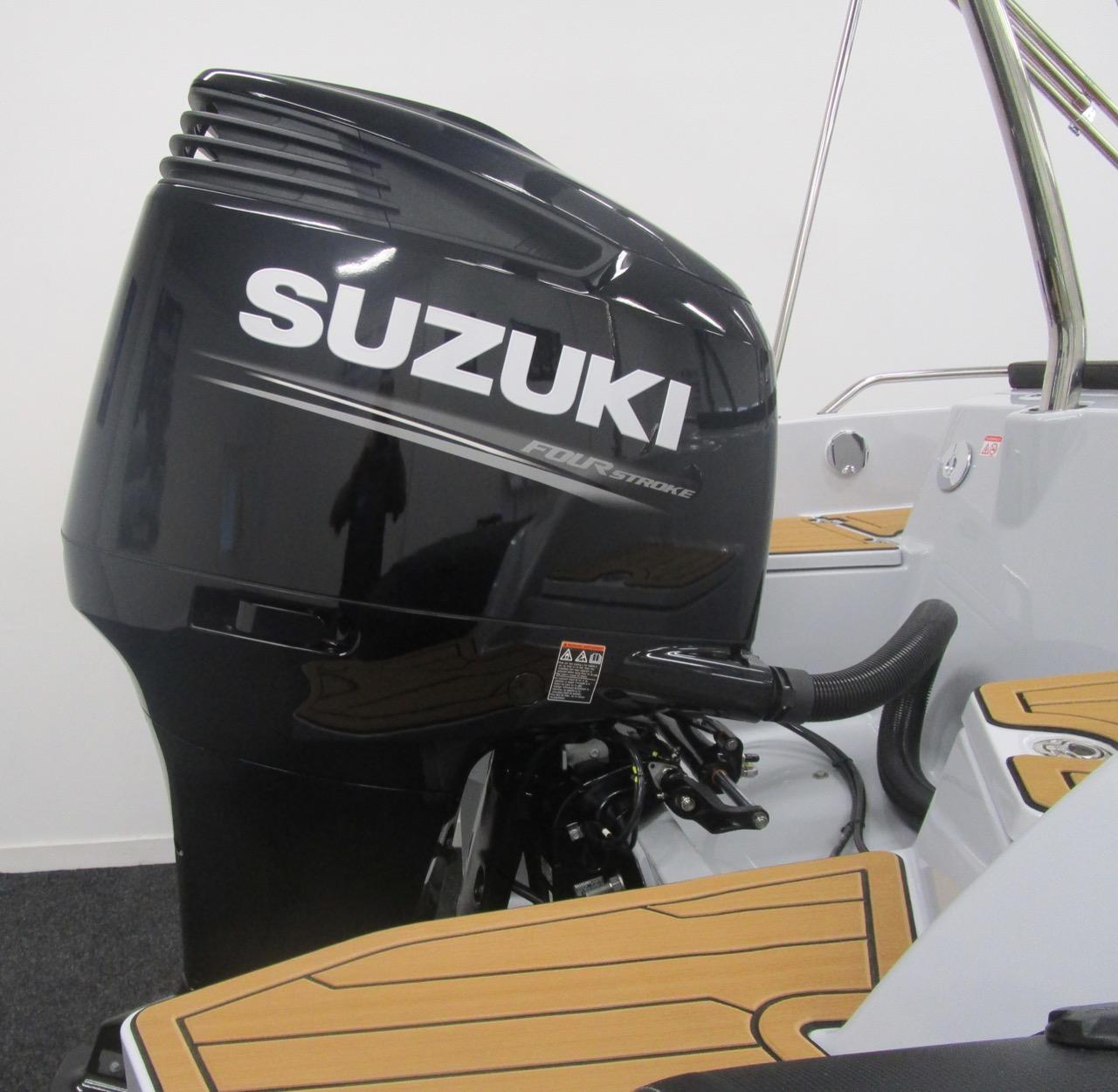 Suzuki DF250APX outboard engine