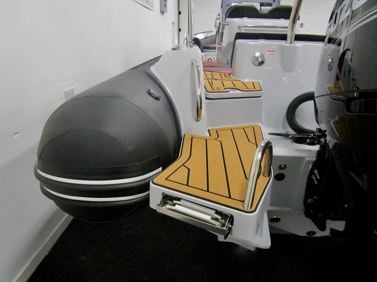 GRAND G750 RIB bathing ladder stowed