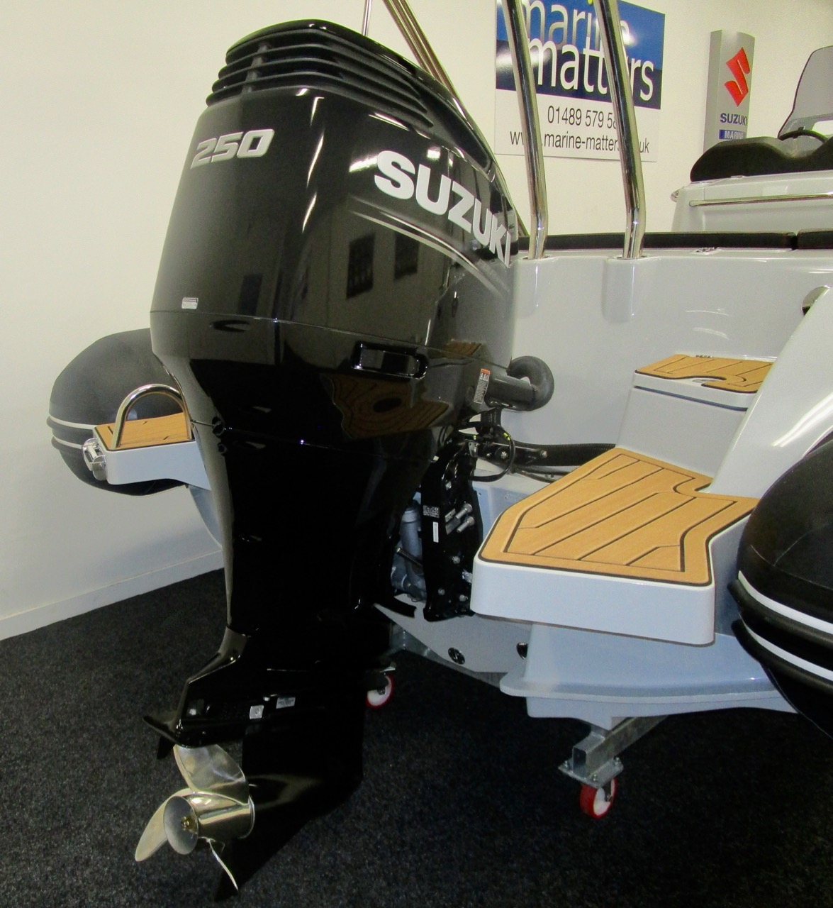 Suzuki DF250APX outboard engine