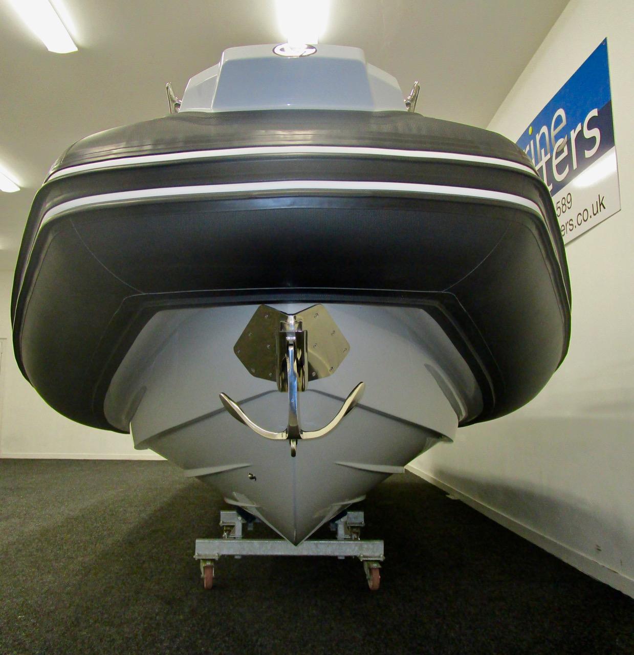 GRAND G750 RIB square bow