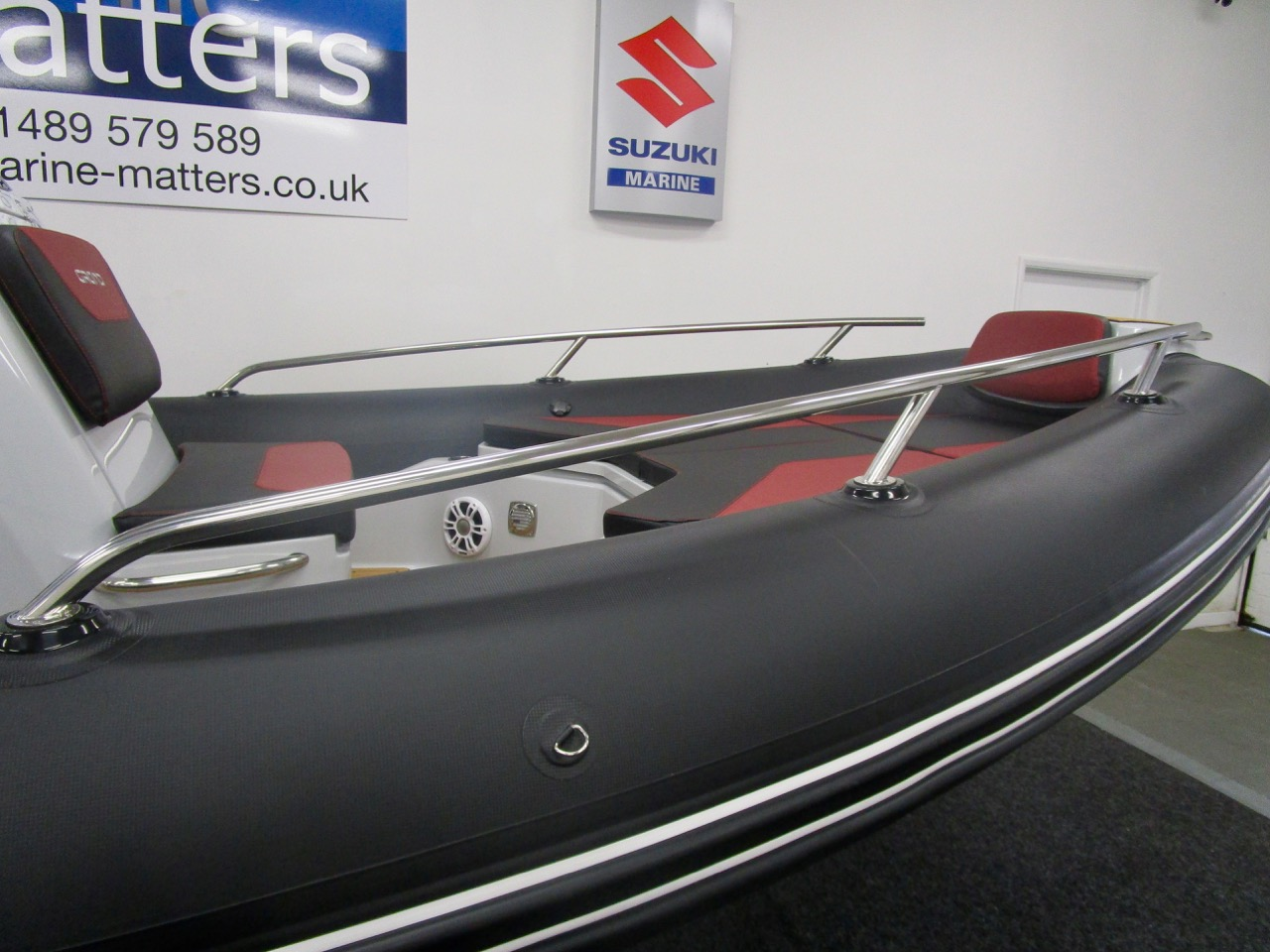 GRAND G750 RIB unique bow tube handrails