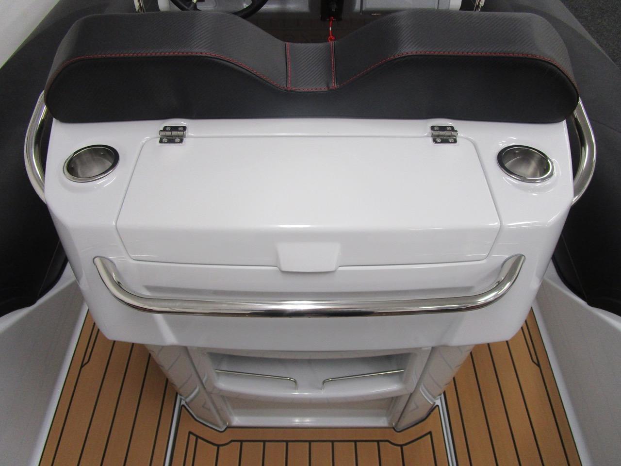 GRAND G750 RIB helm seat top