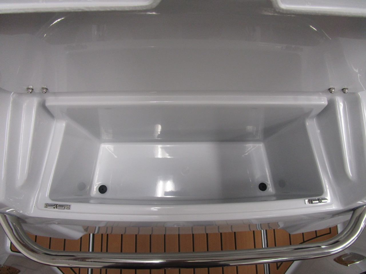 GRAND G750 RIB deep helm seat top locker