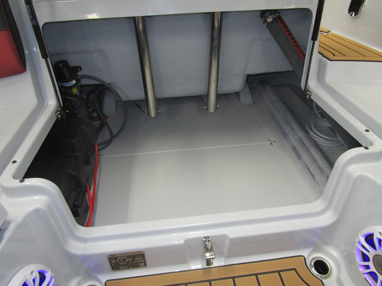 GRAND G750 RIB rear seat locker