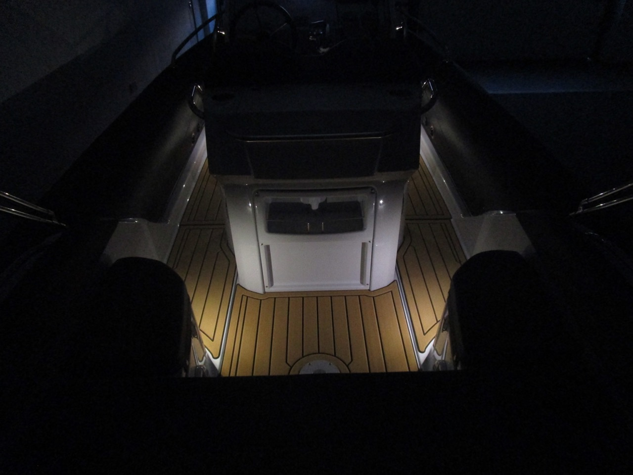 GRAND G750 RIB LED deck lights, stern