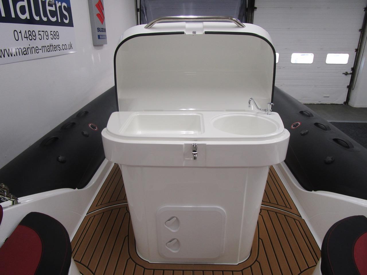 GRAND G850 RIB helm seat sink top open