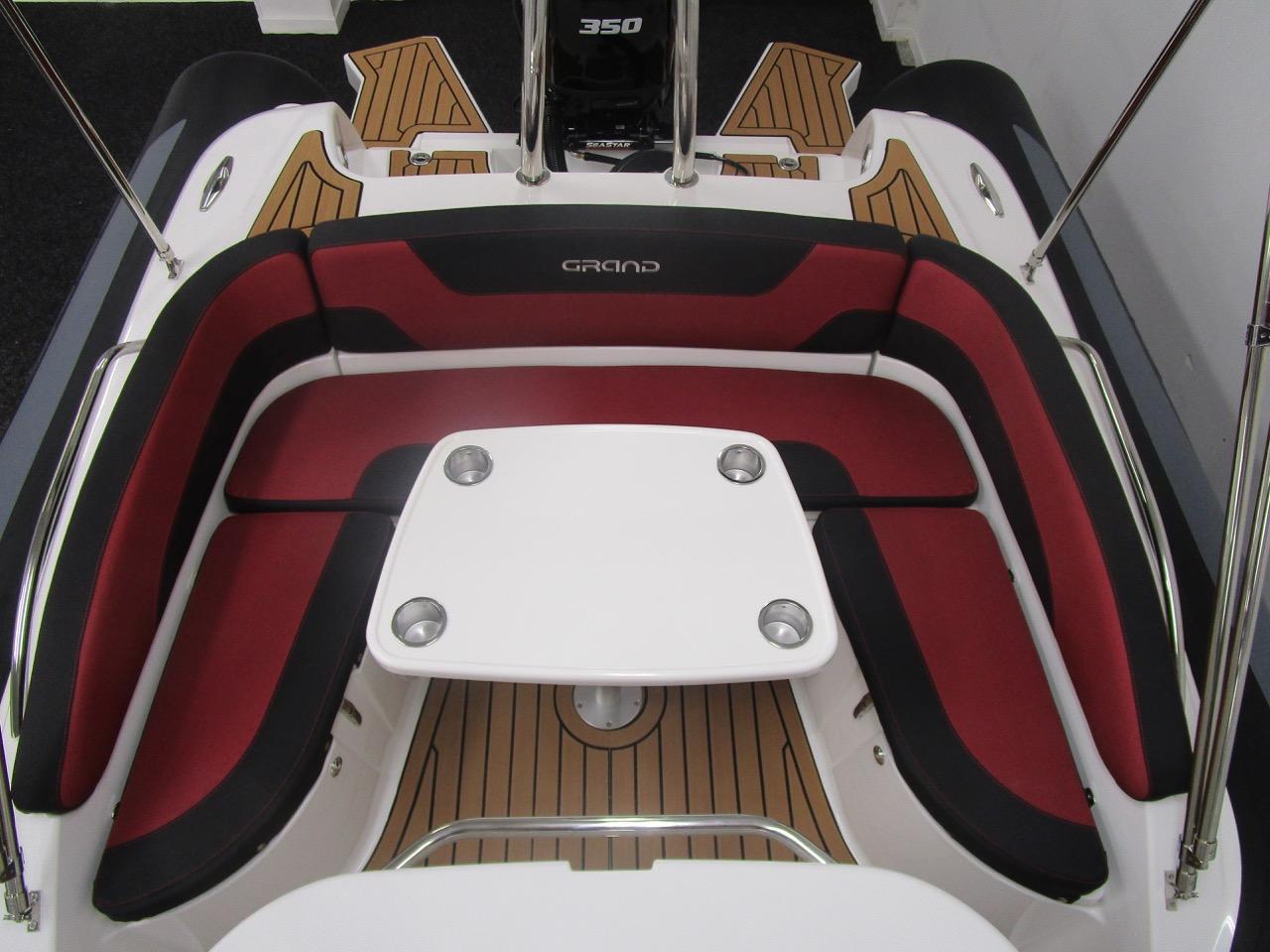 GRAND G850 RIB rear seat and table