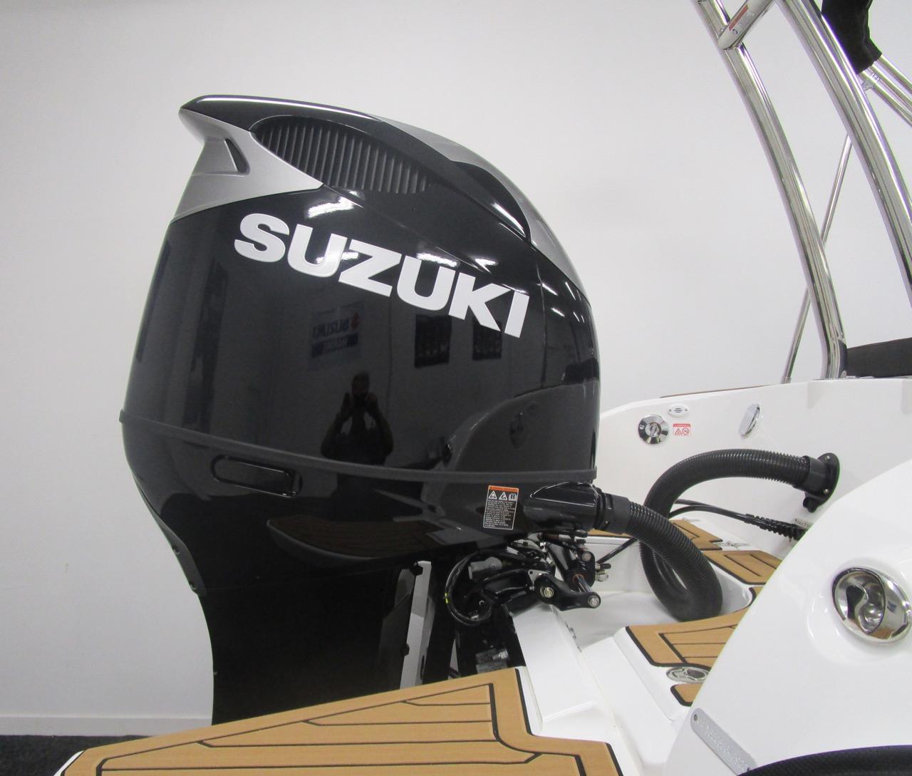Suzuki DF350ATXX outboard graphics