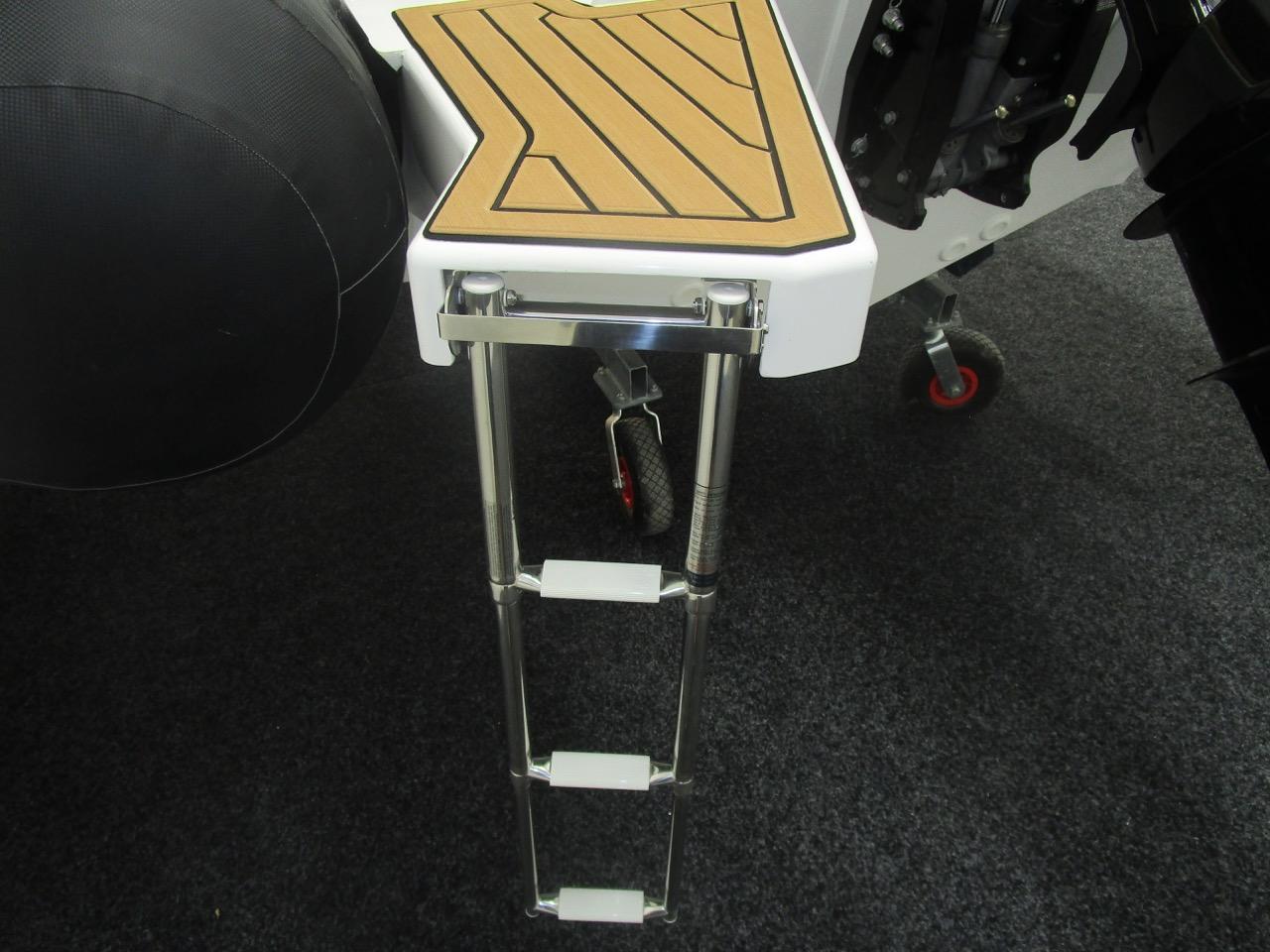 GRAND G850 RIB bathing ladder extended