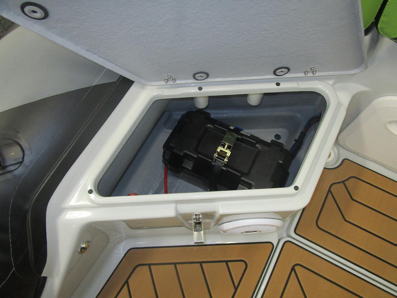 GRAND DRIVE D600 RIB battery locker