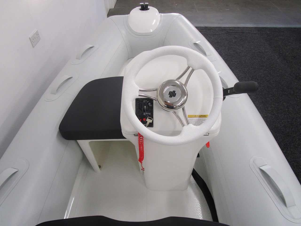 GRAND S330 RIB tender helm position and side seat