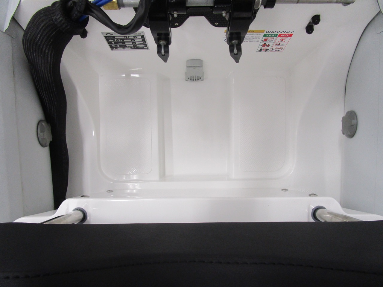 GRAND S330 RIB tender stern sump and self draining deck valve