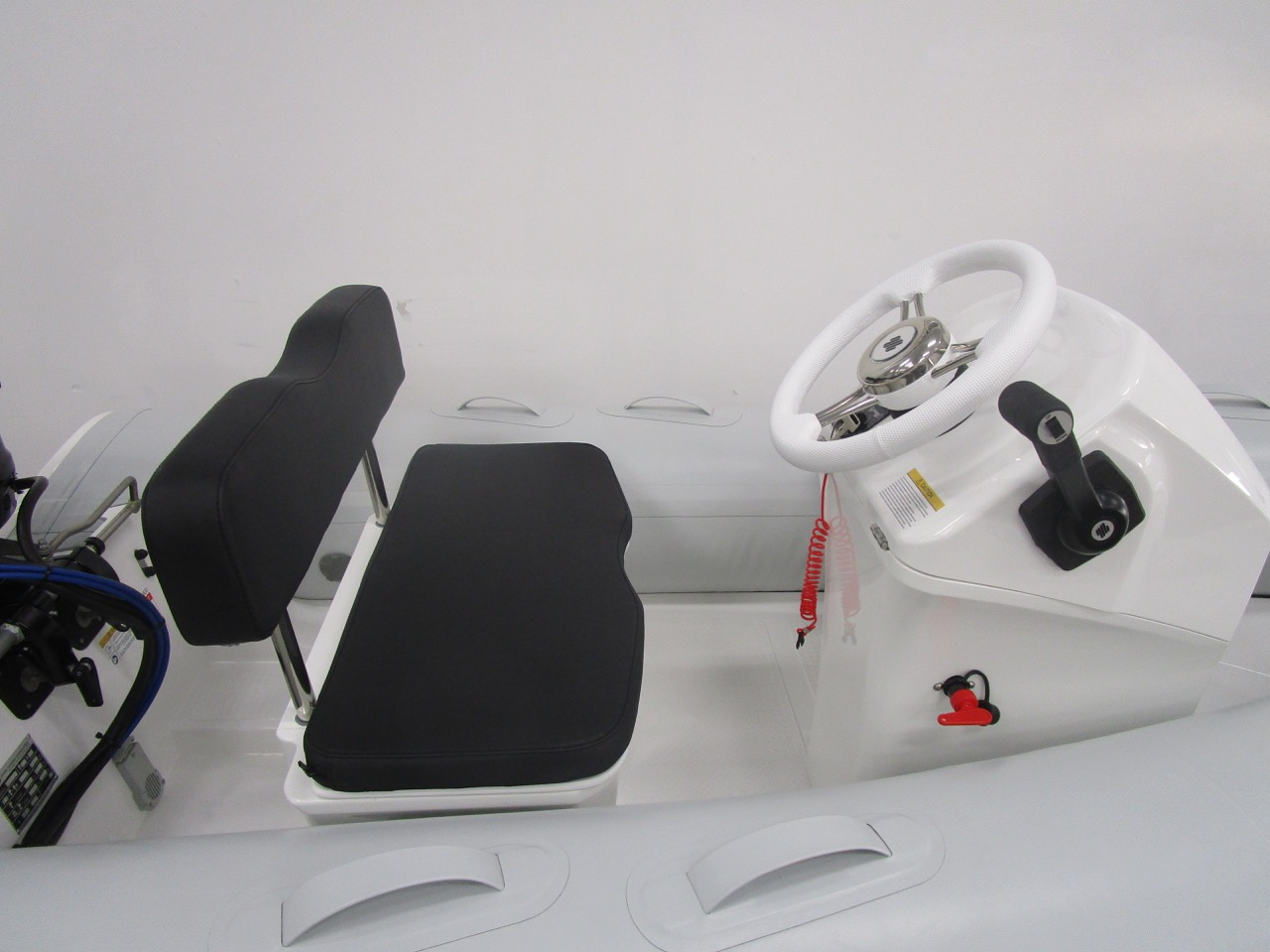 GRAND S330 RIB tender helm seat and console