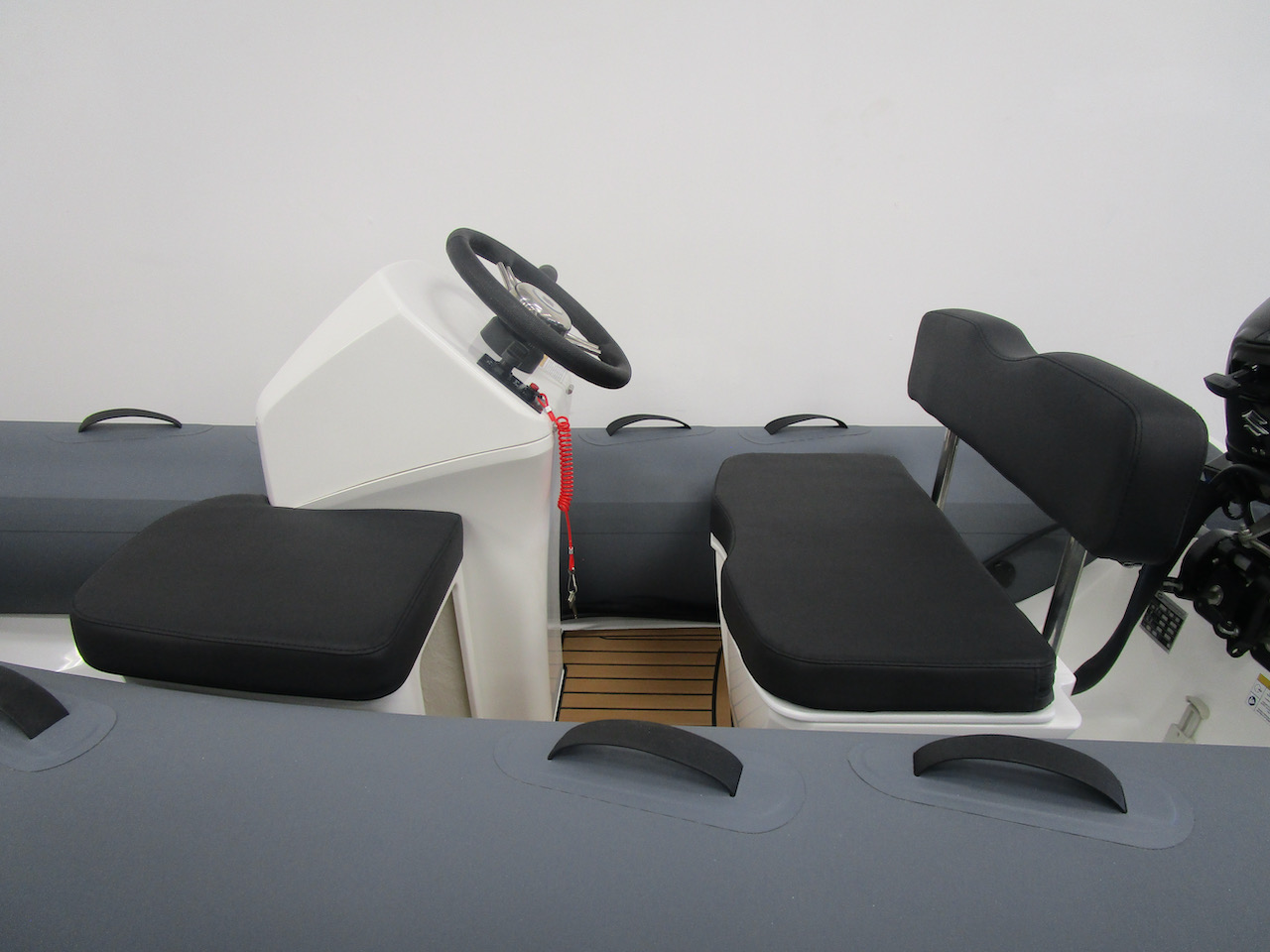 GRAND S300 RIB seating