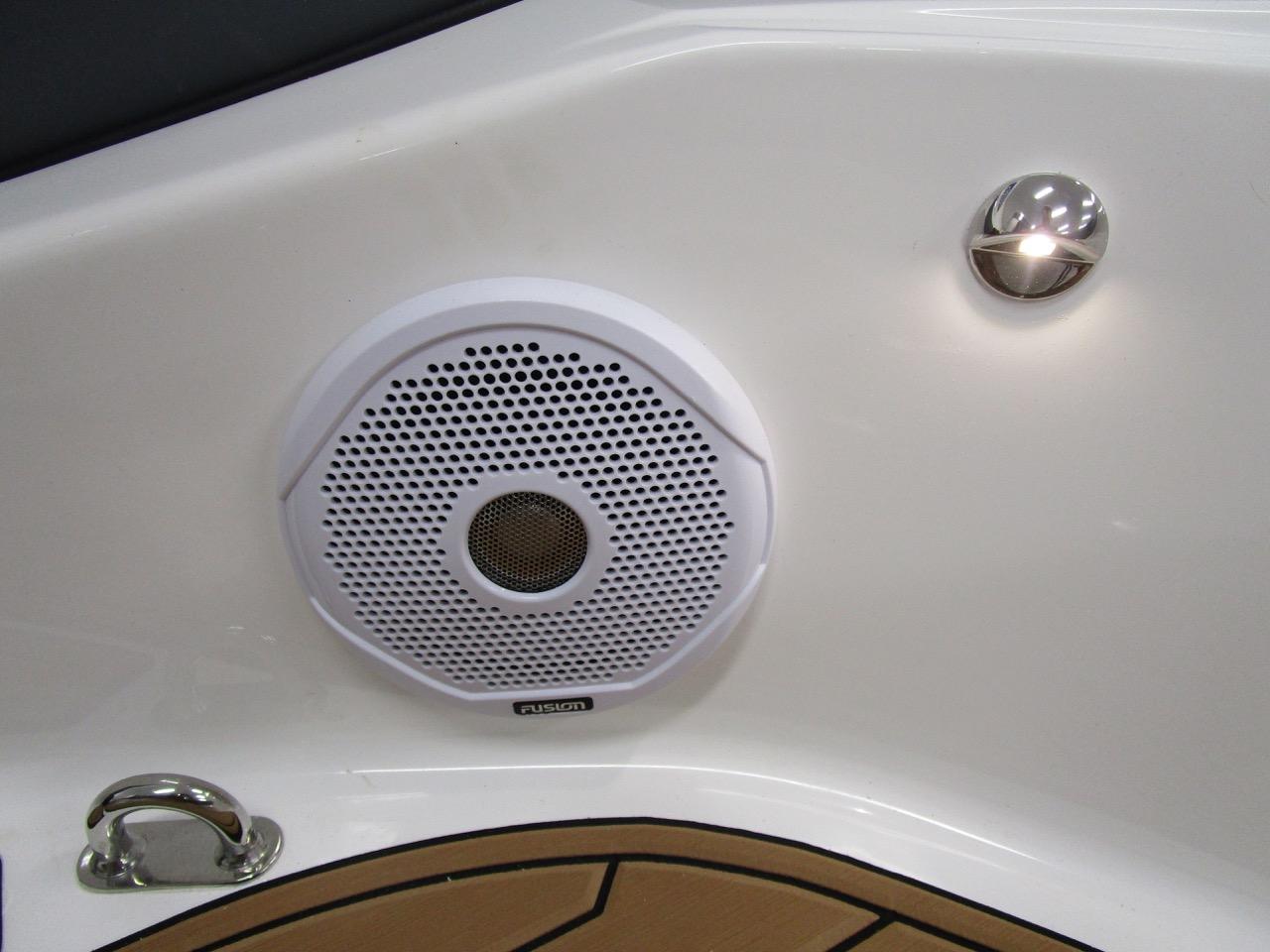 E780 forward speakers and LED deck lighting