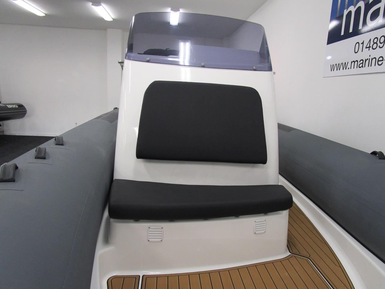 Eagle 780 generous console front seat