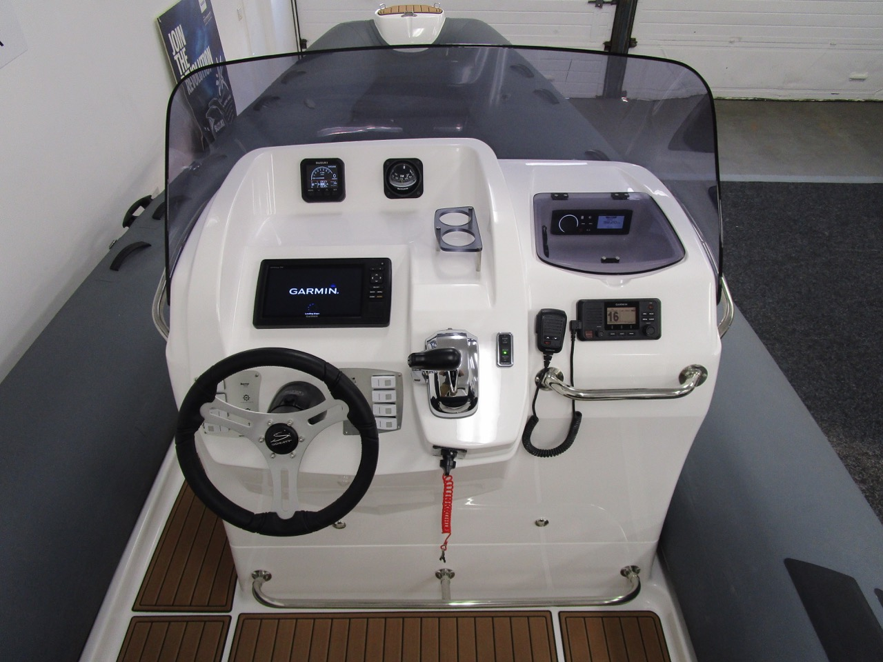 E780 console, instrument covers off