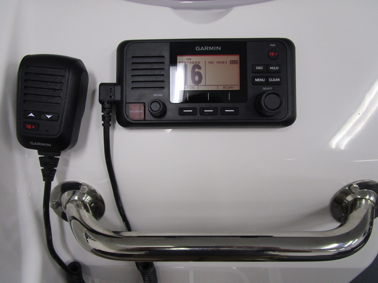 E780 - Garmin 110i VHF