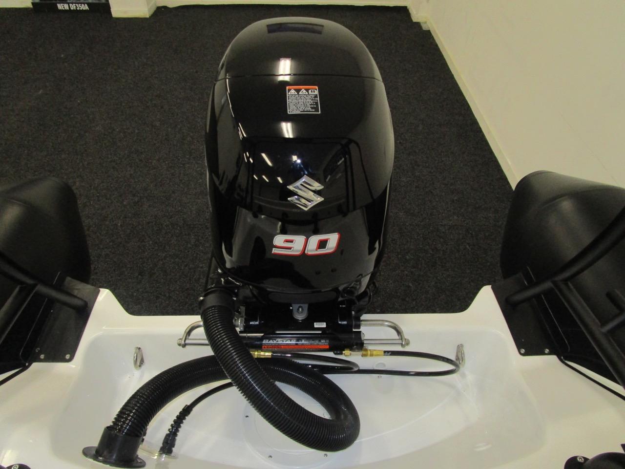 Suzuki DF90ATL and Baystar steering