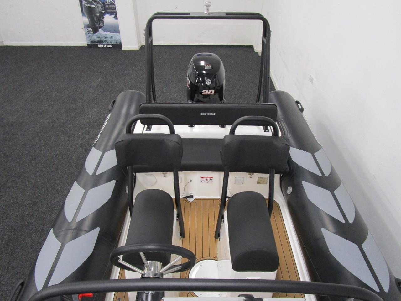 N570 helm seats & rear seat